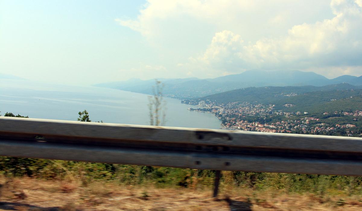 Att resa till Kroatien med bil är en riktigt trevlig upplevelse om ni ej har något emot att köra och vill ha maximal frihet under er semester i Kroatien