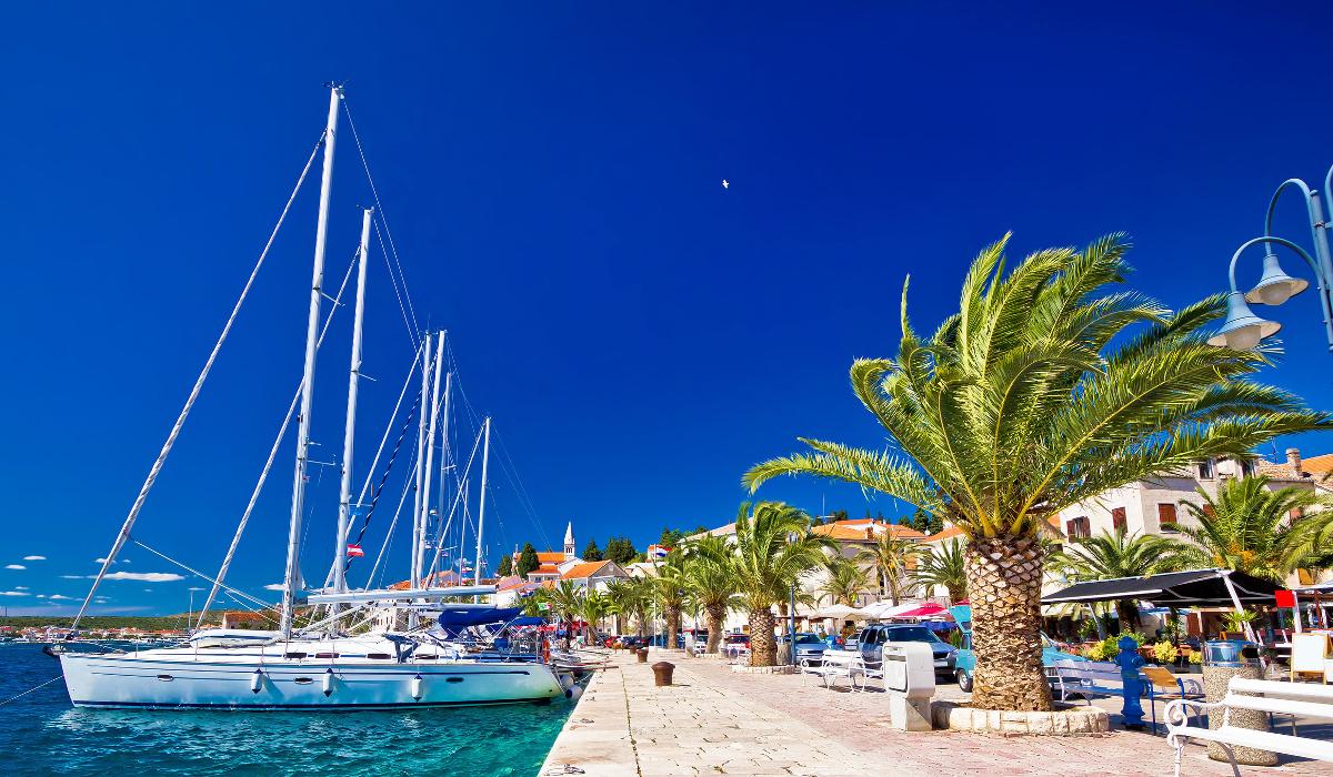 Det fantastiska medelhavsklimatet i Kroatien är helt underbart att visas i med båt - Gör det genom MS Marintjänst